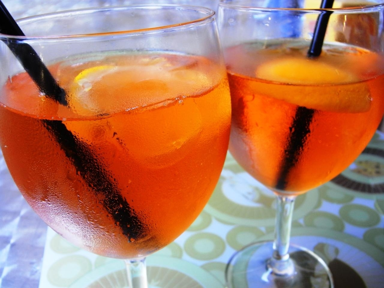 Aperol spritz martini vervemagazine for Bicchieri aperol spritz